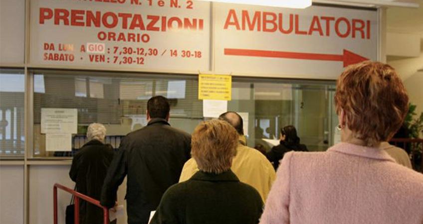 «Liste d'attesa per una visita? Scompaiono pagando»