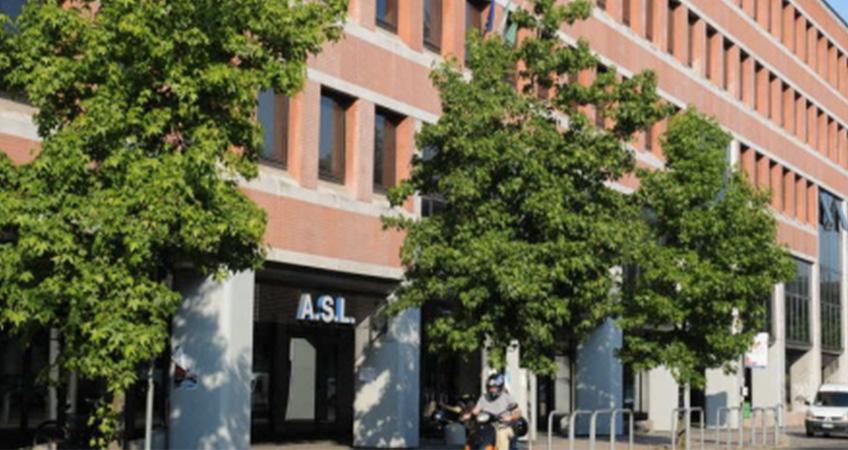Sportello dell'Asl chiuso: rinnovo patenti, è caos
