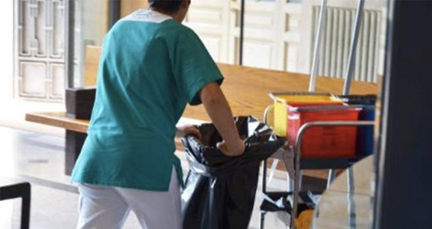 Azienda Ospedaliera: Assunti per fare le pulizie negli ospedali pavesi, di fatto assistono i malati