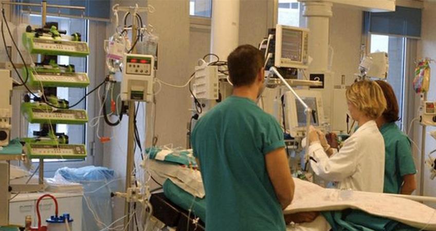 San Matteo, reparti intensivi in emergenza. Mancano 37 infermieri, pazienti a rischio